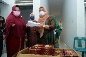 Penyandang Disabilitas Terima Paket Bantuan Sembako dari Pemprov Sumatera Utara
